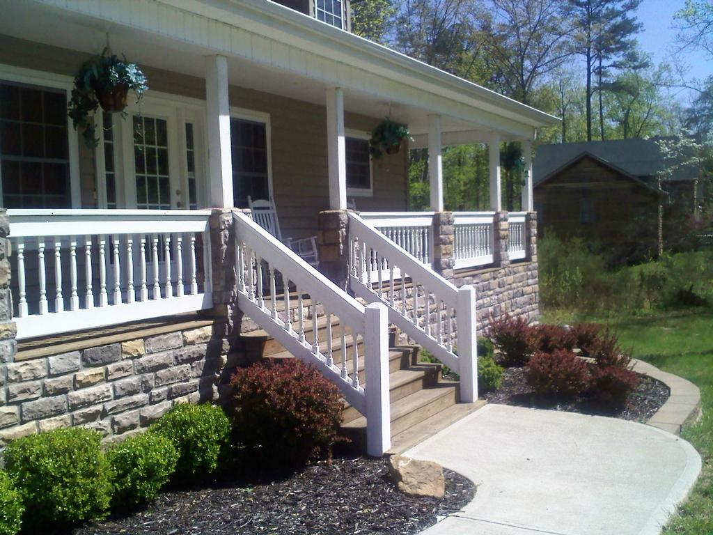 Hsp Exterior House Painting Exterior Deck Handrail Painting 2 Jpg From Hadley Son Painting