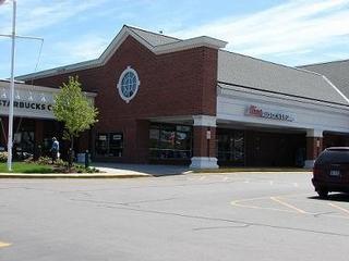 Middletown ri merchants reviews photos coupons blogs for Saccucci honda middletown