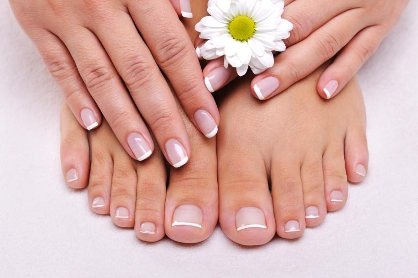 Manicure and Pedicure Coupon at Leawood Nail Salon 913.498.1399