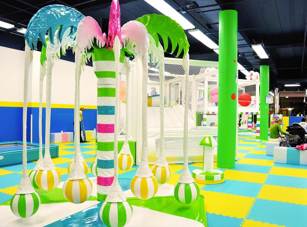 Indoor playground for kids in chicago from yu kids island for Indoor party places for kids