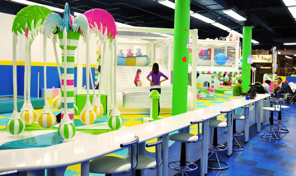 Yu kids island llc indoor playground and birthday party for Indoor party places for kids