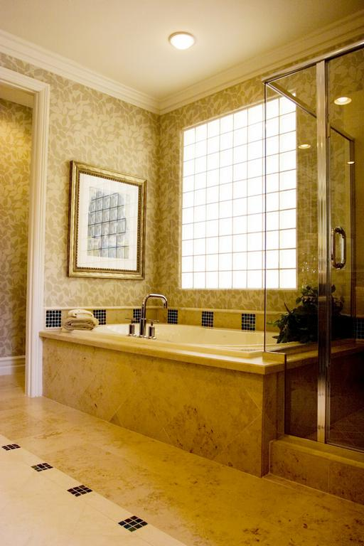 Absolute surface solutions henderson nv 89044 702 454 0259 for Bathroom remodel henderson nv