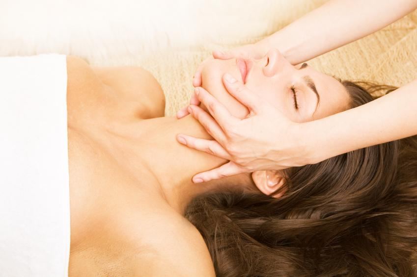 http://media.merchantcircle.com/4068177/facial-massage1_full.jpeg