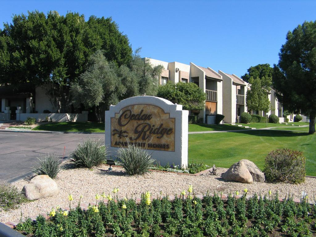 Cedar Ridge Apartments Phoenix Az 85021 866 922 0455