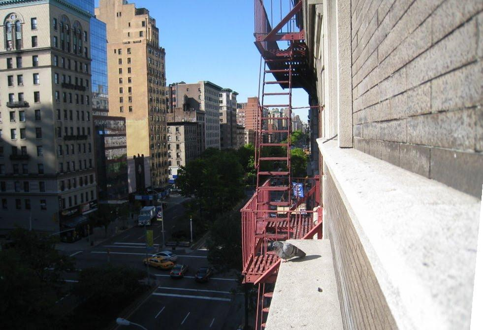 New york hostel view from balcony from new york broadway for New york balcony view