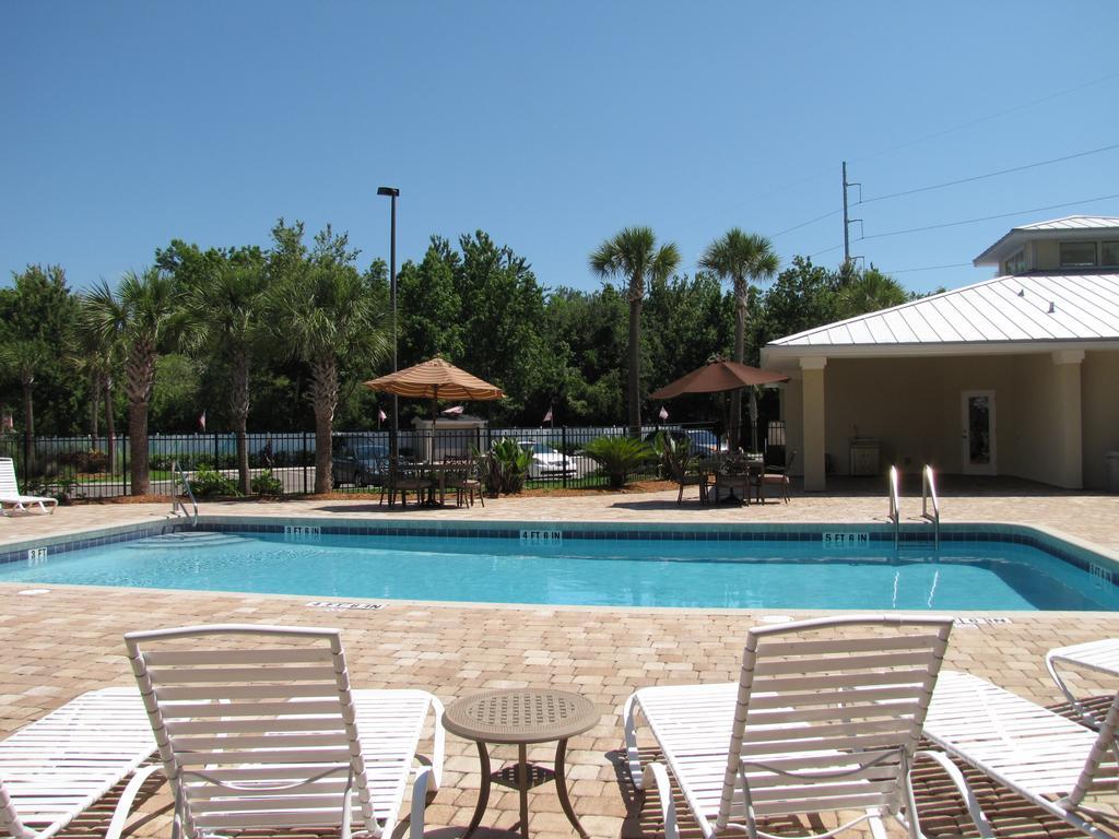 Pool chair veiw from atlantica apartments in atlantic beach fl 32233