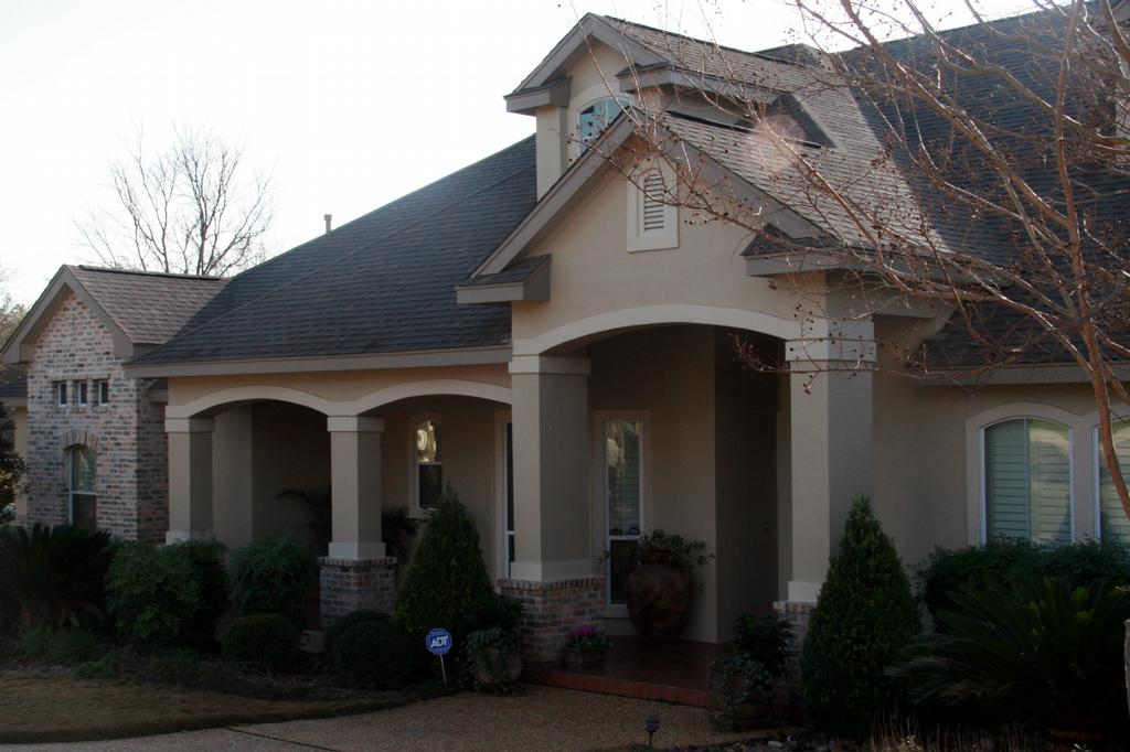 exterior stucco painting from renovate paint and design in san antonio