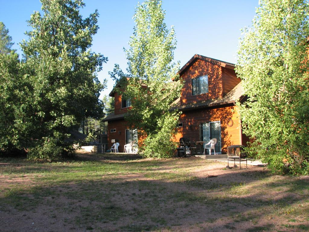 Wooden nickel cabins payson az 85541 928 478 4519 for Wooden nickel cabins