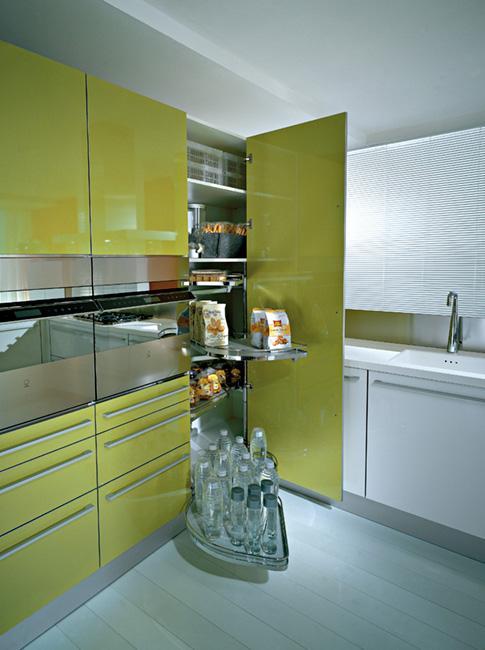 Bath and kitchen town pedini kitchen corner cabinet for Tall corner kitchen unit