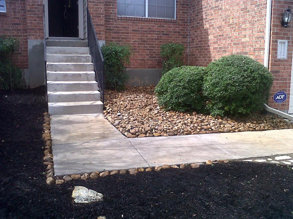 Pictures for miguel's lawn & tree service in San Antonio, TX 78207