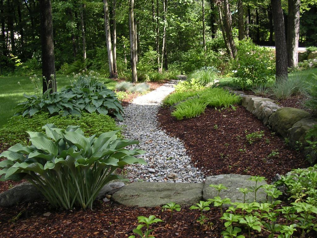 Shade tree landscaping inc auburn nh 03032 603 483 0943 for Tree landscaping ideas