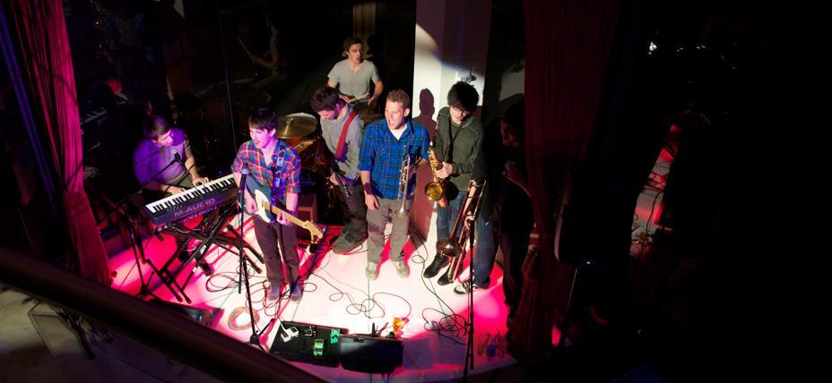 Liveband Moresofas By Toshis Living Room