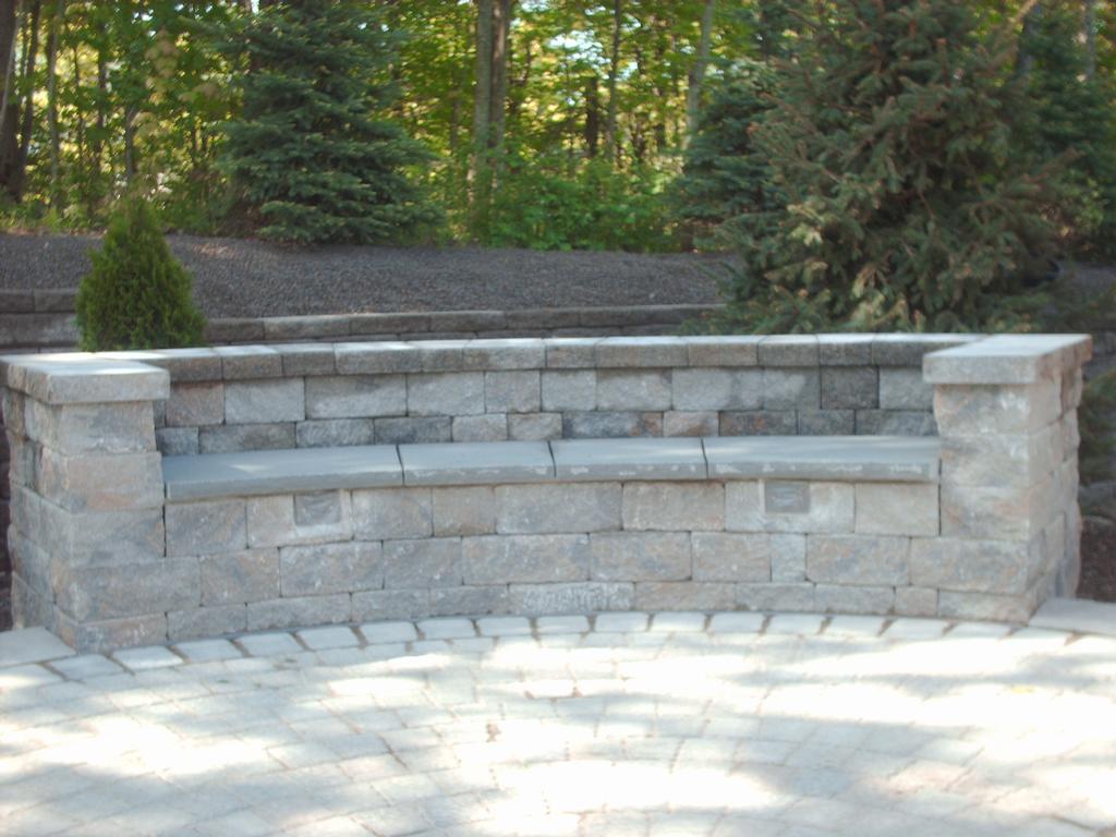 block bluestone caps seatwall circle paver patio brunswick