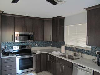 Installation of Kitchen Cabinets in Phoenix - Kitchen AZ Cabinets ...