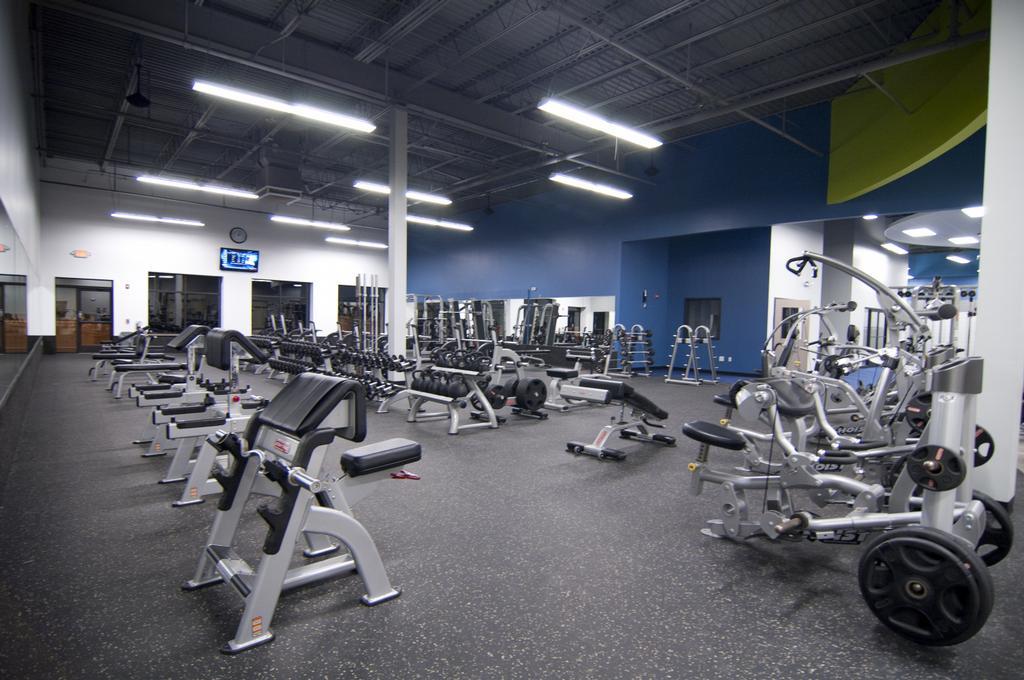 Onelife Fitness - Burke Gym - Burke VA 22015 | 703-455-5433 Onelife Fitness