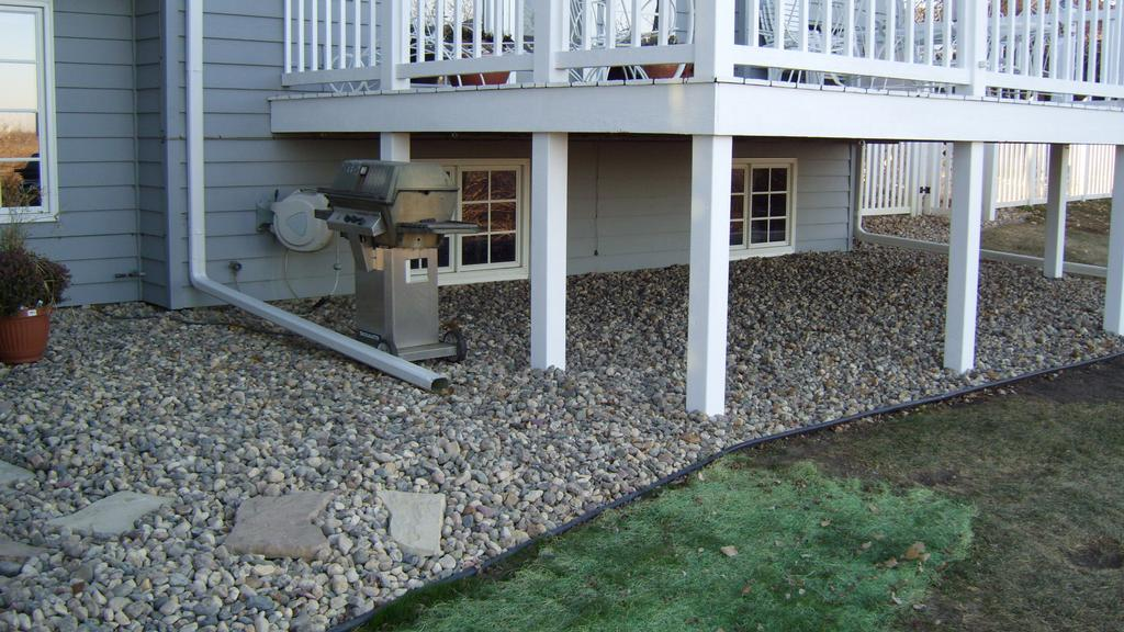 Best Landscape Ideas: Landscaping under deck