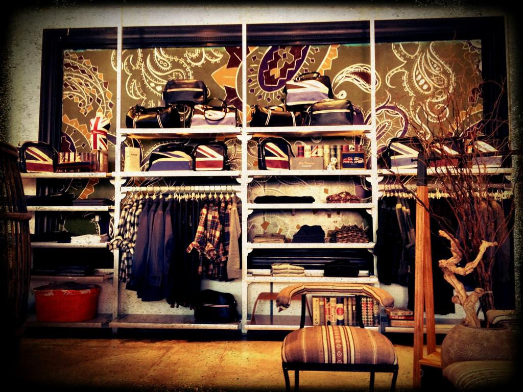 Cheap online clothing stores. Hollywood clothing stores