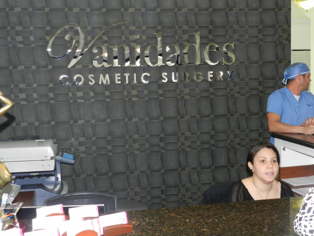 Vanity Cosmetic Surgery Vanidades.