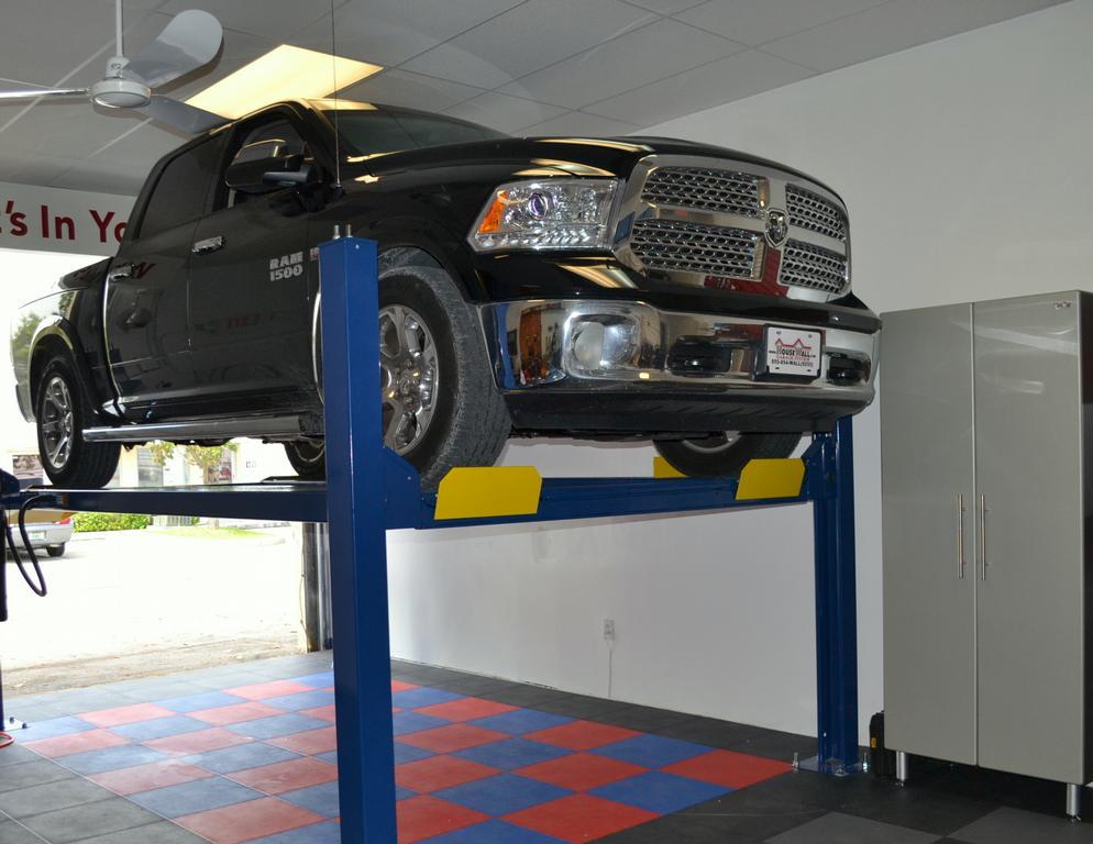 Car Lift HouseWall Garage SystemJPG