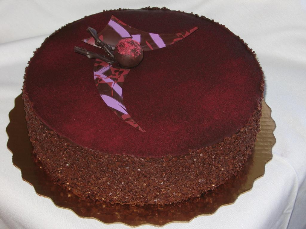 [Image: Chocolate%20Raspberry%20Mousse%20Torte%20Cake_full.jpeg]