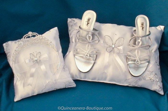 15 Anos Pillows: Quinceanera-Boutique.com - Frankfort IL 60423