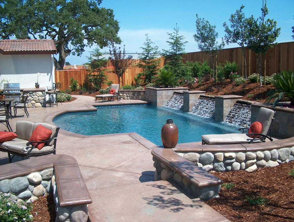 Envision pools lincoln ca 95648 916 434 9909 landscaping for Pool and pool house