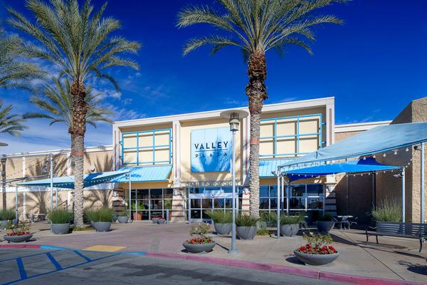 Pictures for valley plaza mall in bakersfield ca 93304 for Craft stores bakersfield ca