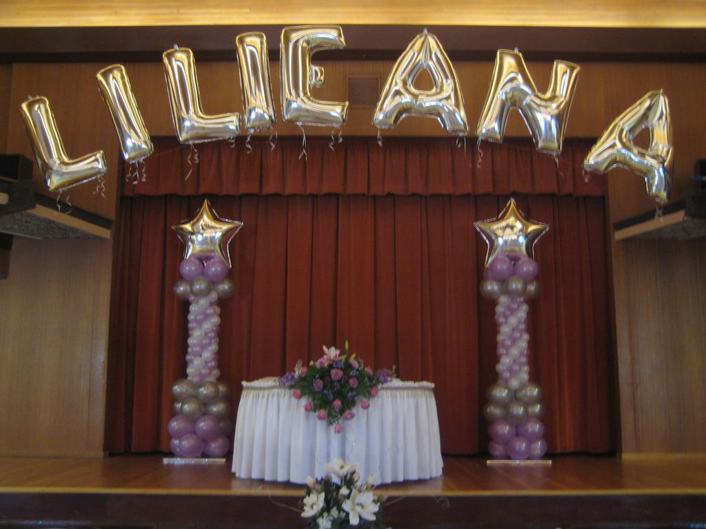 Quinceanera balloon decorations party favors ideas for Balloon decoration ideas for sweet 16