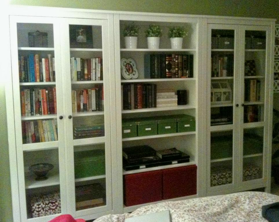 glass bookcase cabinet ikea. Black Bedroom Furniture Sets. Home Design Ideas