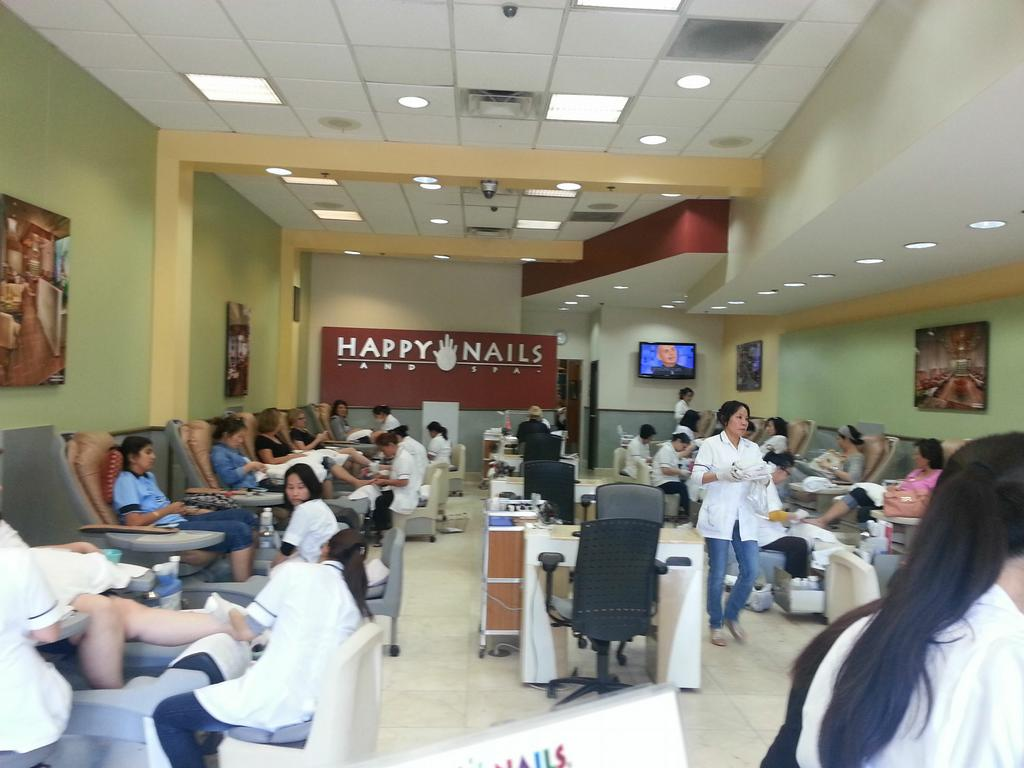 pictures for happy nails spa of northpark in irvine ca. Black Bedroom Furniture Sets. Home Design Ideas