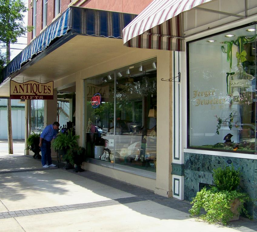 Thomasville Clothing Stores