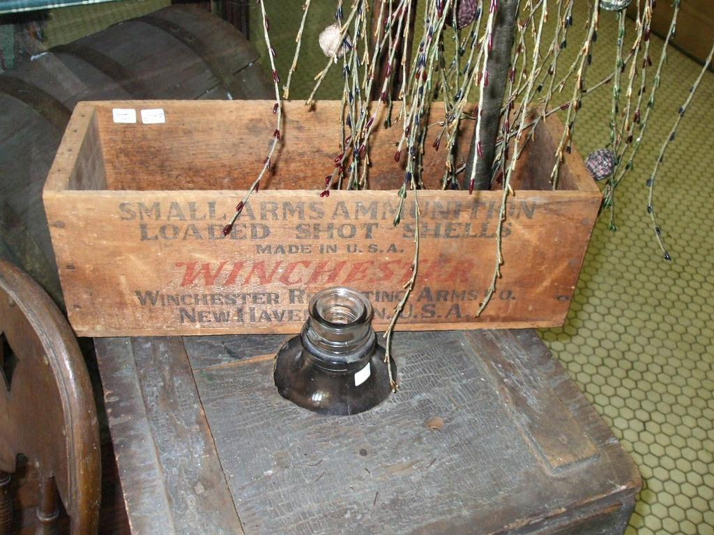 Winchester Ammunition Wallpaper Antique Winchester Ammo Box