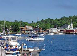 Capn fishs waterfront inn boothbay harbor me 04538 800 for Cap n fish s waterfront inn