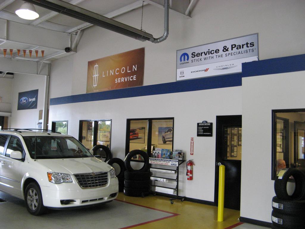 Ford Dodge Chrysler Jeep Ram Dealership Tri Lakes Motors