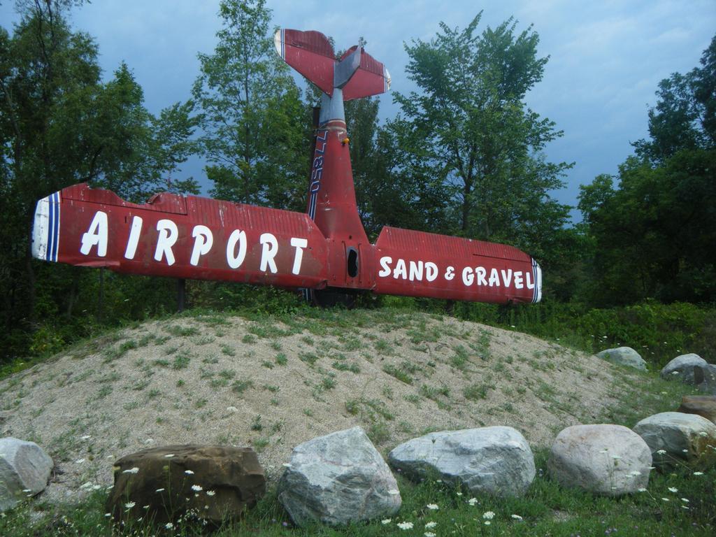 Airport sand gravel hastings mi 49058 269 945 5767 airplane publicscrutiny Gallery