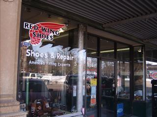 Windom Shoe Stores