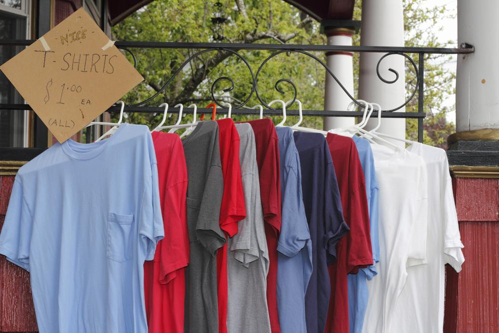 How To Make A Makeshift Clothes Rack For A Garage Sale Articles